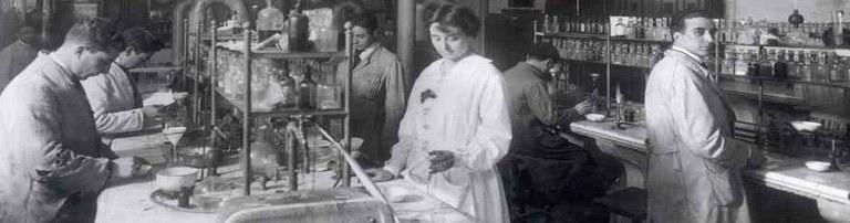 laboratori de química antiga mosaic
