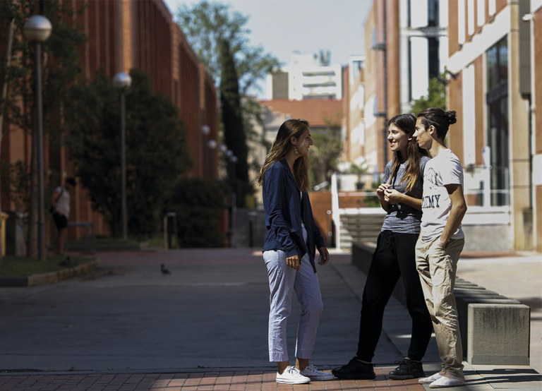 Estudiants al Campus Diagonal Nord, Barcelona