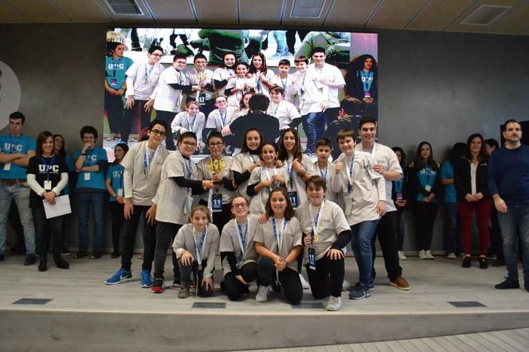 1r-Premi-Fundacio-Scentia-LEGO-TRONOS.JPG