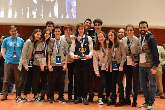 1rPremi-Comportament-Robot-Electabuzz-JesuitesGracia -web.jpg
