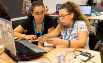 Les estudiants de la UPC ajuden a crear noves vocacions