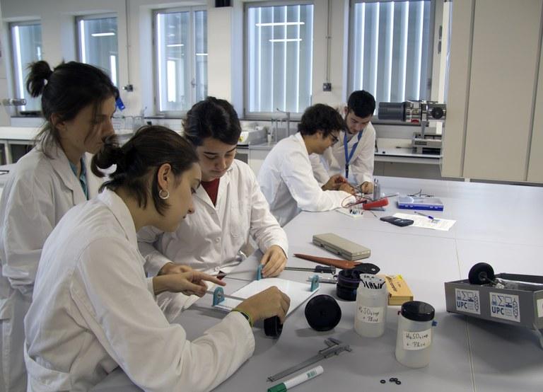 Laboratori de química docent de l'Escola d'Enginyeria de Barcelona Est (EEBE)