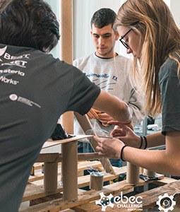 Estudiants participant a l'EBEC Challenge