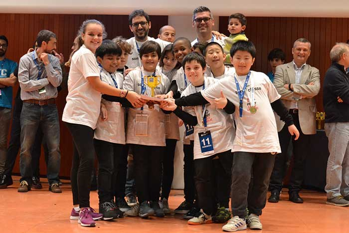 Premi-Entrenador-ROBOKIDS-Escola-Ausias-March-web.jpg