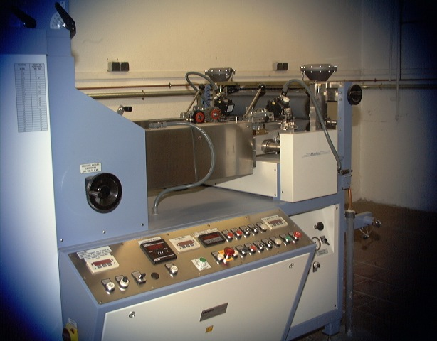 Laboratori de Tecnologia Tèxtil Química. (Físico-Química de Tintura i Acabats)